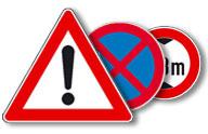 Verkehrsschilder zur Betriebskennzeichnung